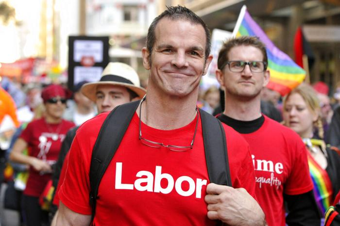 Labor Party candidate for Sydney City Council and former National Rugby League football player Ian Roberts.