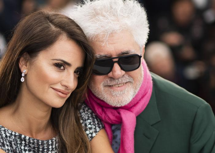 """Actress Penelope Cruz, left, and director Pedro Almodovar pose for photographers at the photo call for the film """"Pain and Glory"""" at the 72nd international film festival, Cannes."""